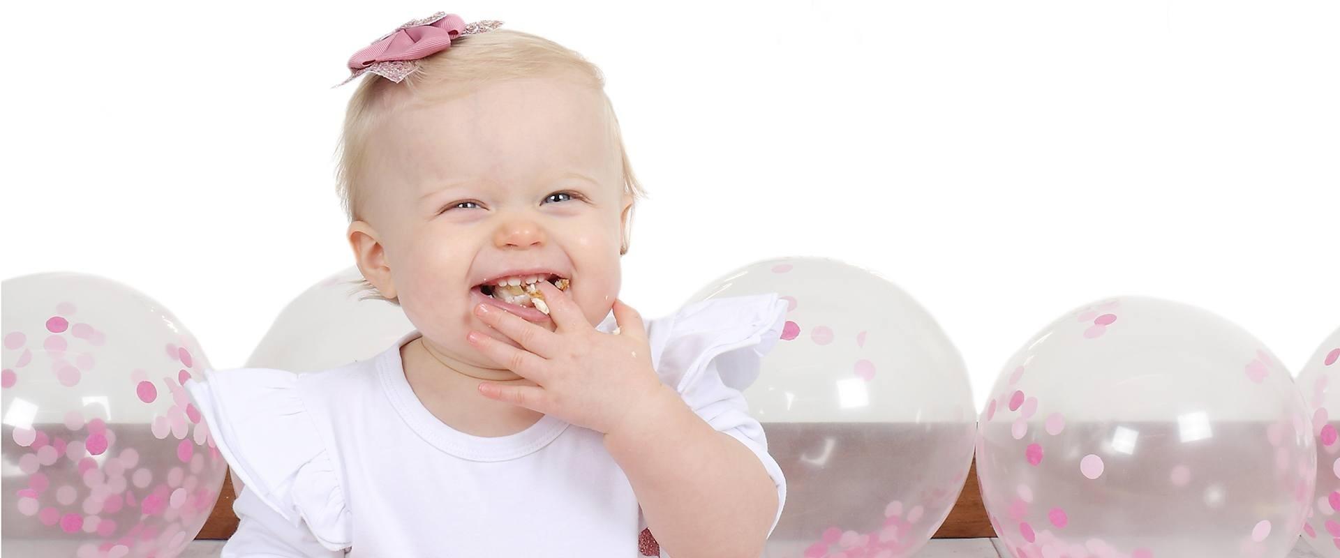 Photographer, Bromsgrove, Worcestershire - Newborn, Children, Cake Smash, Family & Wedding Photography -